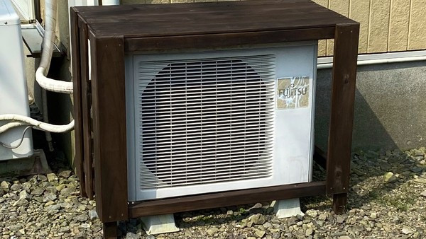 怕冷氣會熱!他自製防曬棚遮陽 一年後才知「便宜到鄰居」崩潰