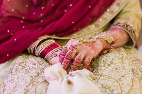 迎娶闖關新郎「背不出2的乘法」!新娘氣到當場走人:騙我是高學歷