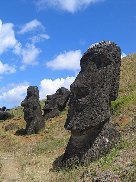 ▲▼ 摩艾石像。(圖/翻攝自維基百科)