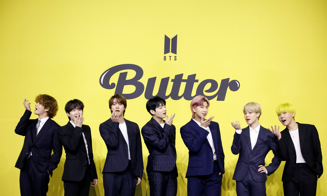 BTS THE REVIEW當我們討論BTS》:走出不同的K-pop樣貌,BTS如何吸引美國「A.R.M.Y」們的堅定支持?