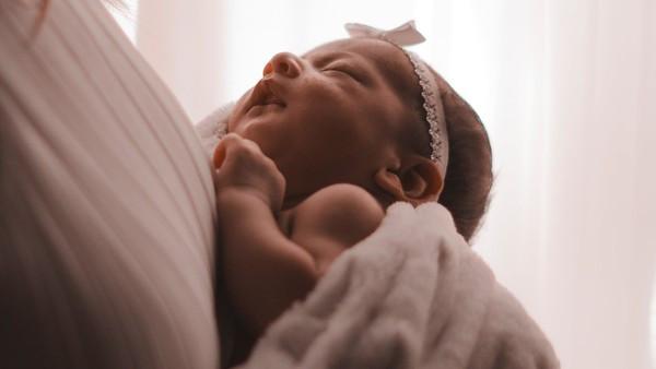 懷孕8個月還墮胎!醫做完手術「嬰胎丟垃圾桶等焚化」 遭起訴殺人罪