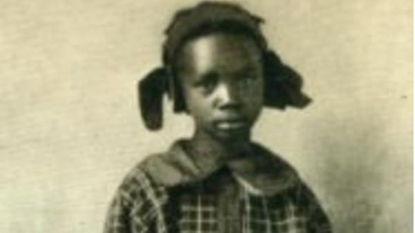 家裡噴石油!12歲黑人女孩一夜變首富「被4白男求婚」 政府:她以後是白人
