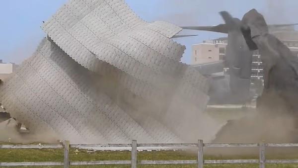 螺旋槳風太大!V-22魚鷹「18秒飛走」醫院停機坪全毀 重症病患急換車載