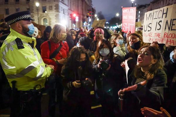 警察擄走夜歸女棄屍!英國爆反警示威「凱特王妃也親臨聲援」