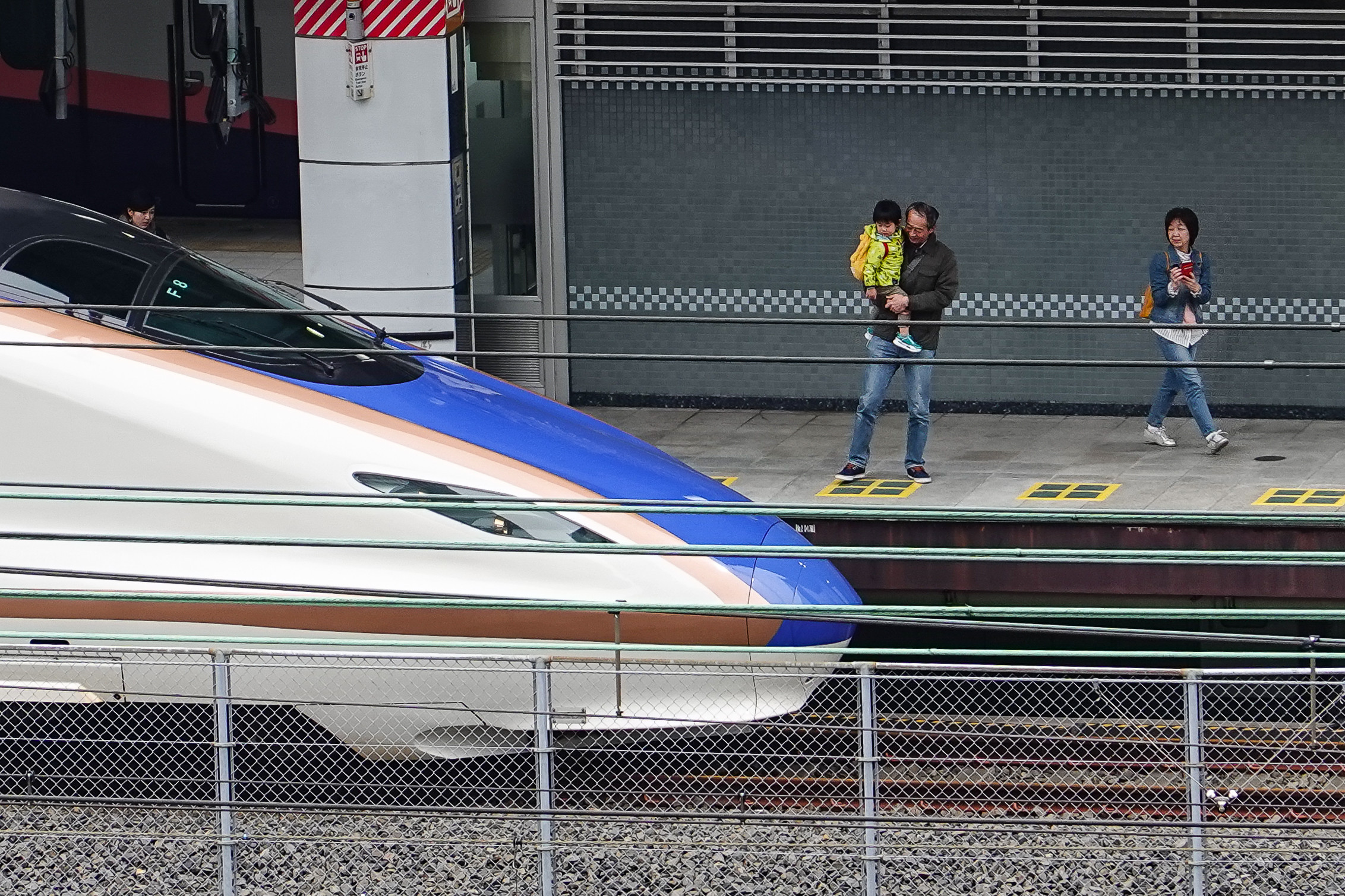 ▲▼日本,新幹線,高速鐵路,E7系列車,JR,大眾運輸,旅遊,觀光,交通,高鐵。(圖/記者李毓康攝)
