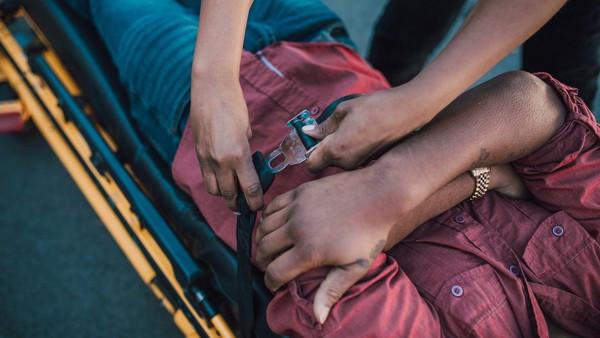 昨天剛學CPR!閨蜜車禍沒呼吸「女高中生緊急施救」奇蹟撿回一命