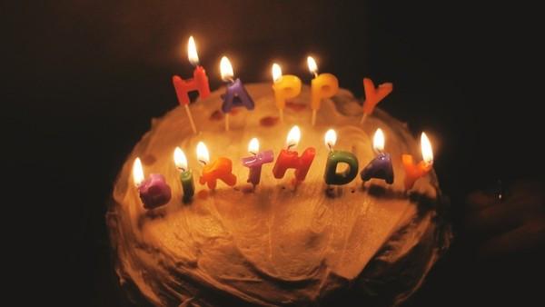 吹蠟燭怕飛沫傳染?美國44歲爸創「蠟燭吹熄器」 保全蛋糕萬無一失