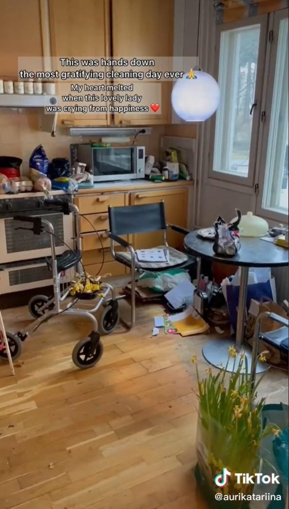▲▼暖心幫80歲夫妻打掃。(圖/翻攝自Tik Tok/@aurikatariina)