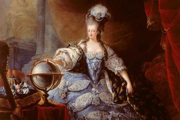 自以為低調炫富!王后瑪麗「華麗奢糜到全民暴動」 拜金拜上斷頭台