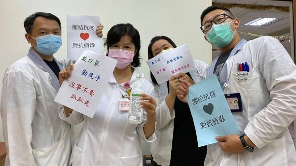 「N95的壓痕、護目鏡的悶熱」醫療人員全忍了 護理師:病患需要我們