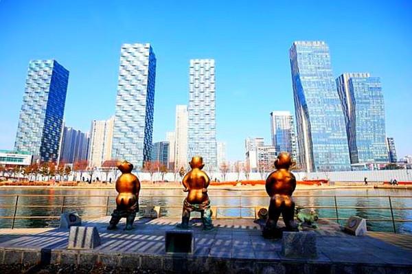 韓尿尿小童太猥褻 仁川雕像遭批「醜又沒文化」 作者喊冤:紀錄上代人純真