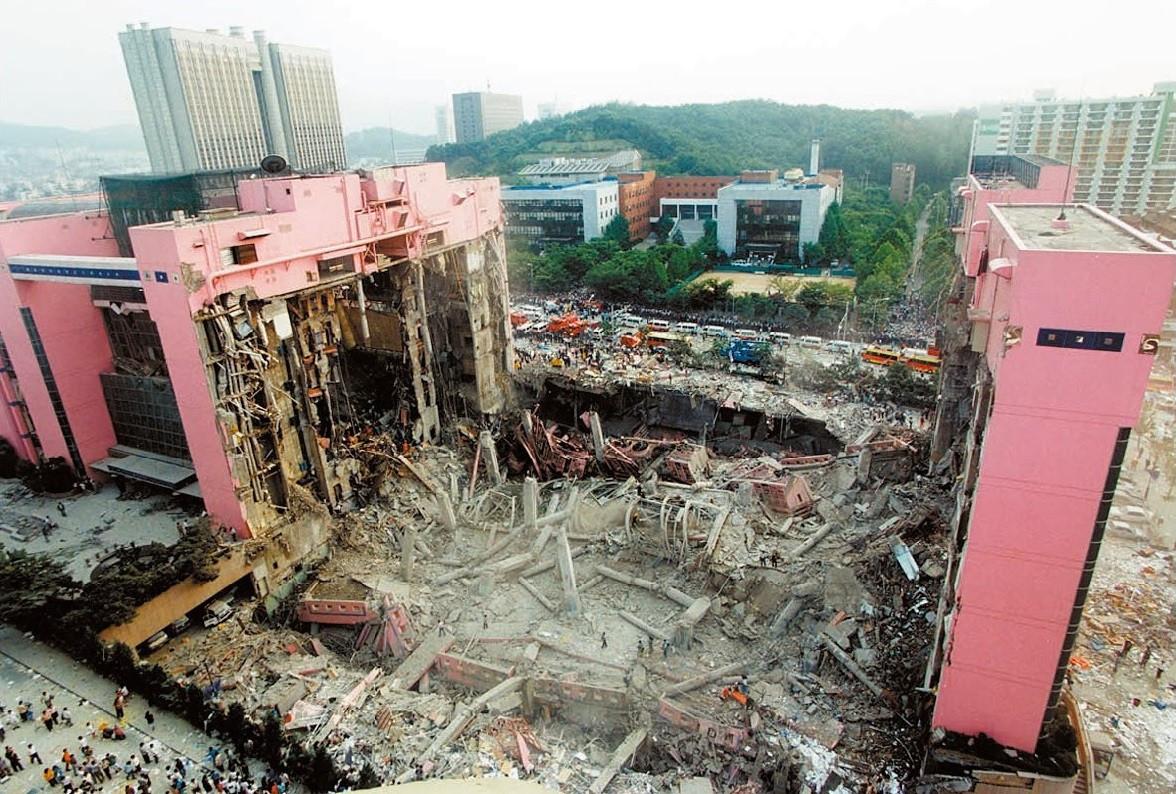 ▲▼南韓三豐百貨公司倒塌(圖/翻攝自維基百科)